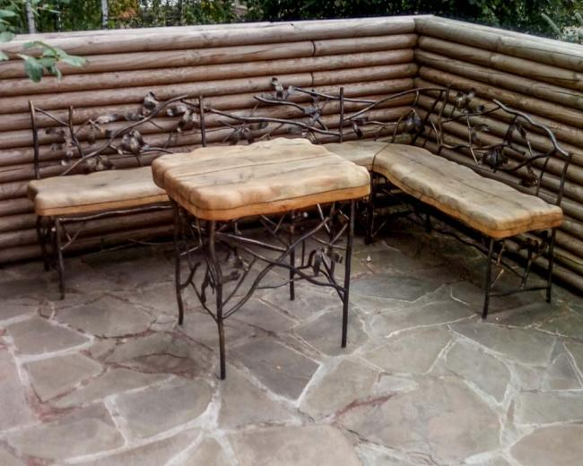 Набор мебели стол и стулья