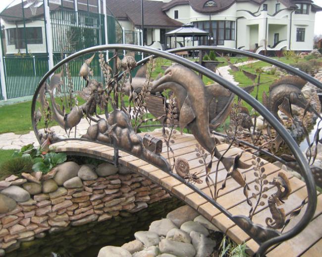 Кованый мостик из подводного царства