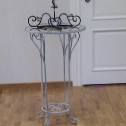 Столик и стойки на свадьбу